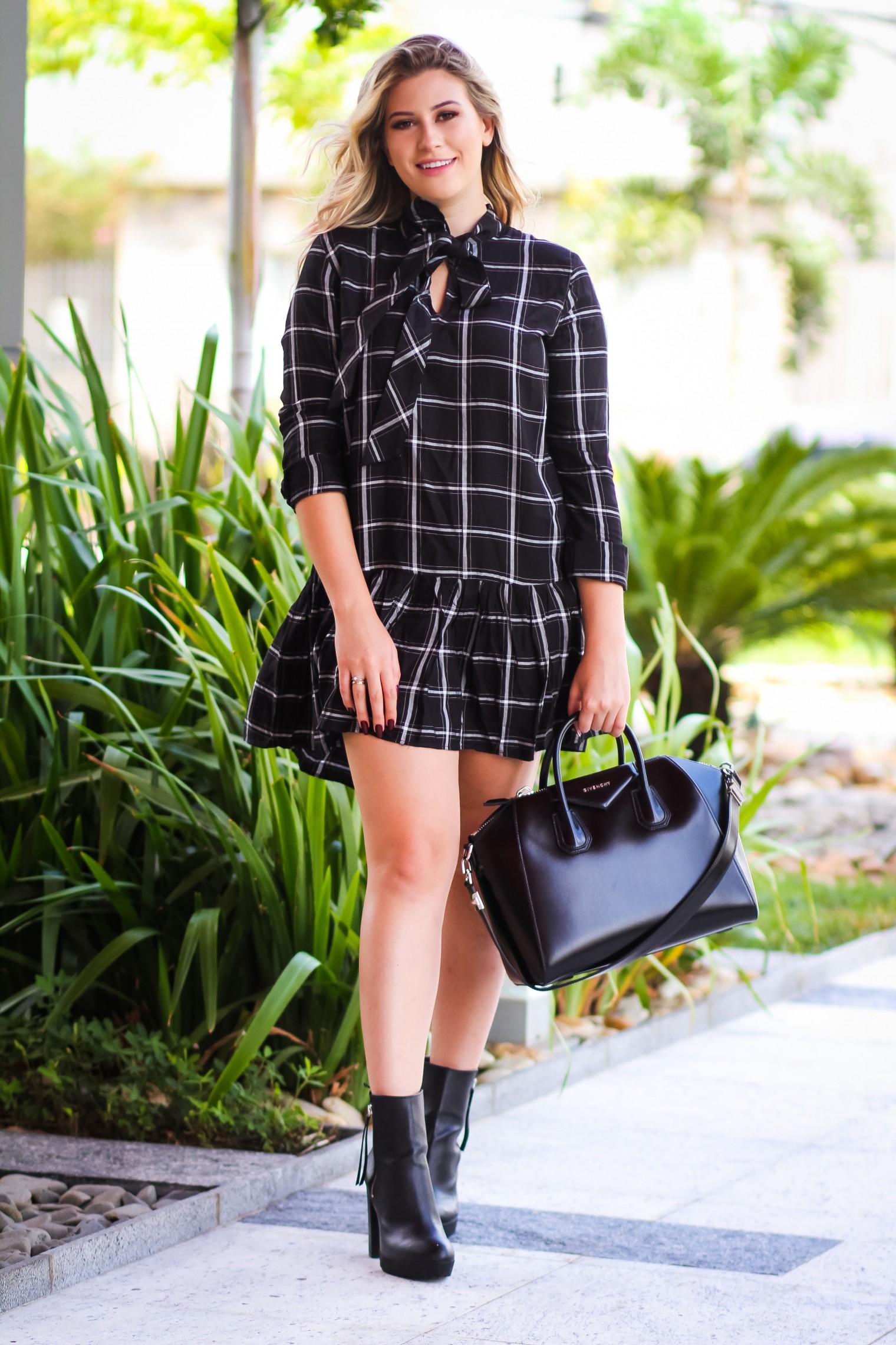 378c71c02 Os vestidos voltando aqui para os looks, yayyyy :) Acho que é a melhor peça  para investir agora no verão, né? Eu gosto bastante e estou sempre usando  um ...