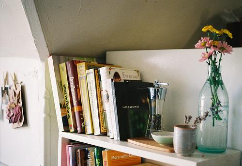 Resultado de imagem para vaso de flor quarto tumblr