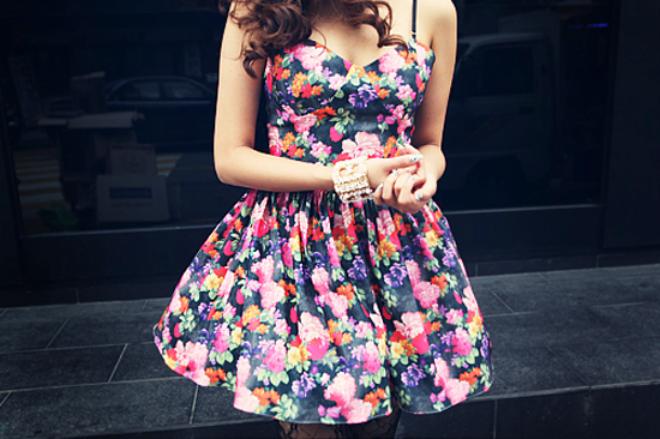 Resultado de imagem para estampa floral roupa